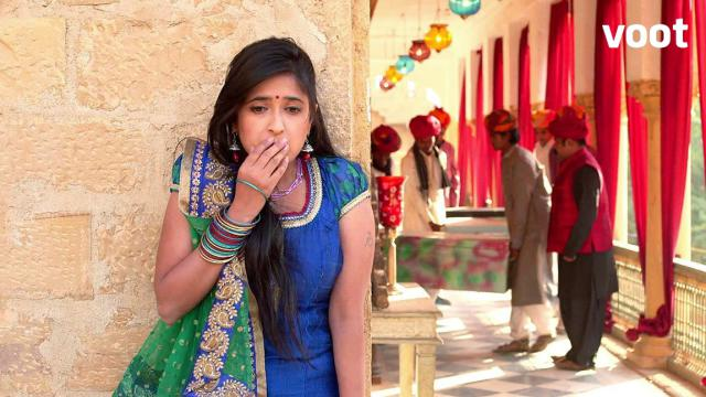 BINDI IS SHOCKED TO SEE GUNS IN THE HAVELI