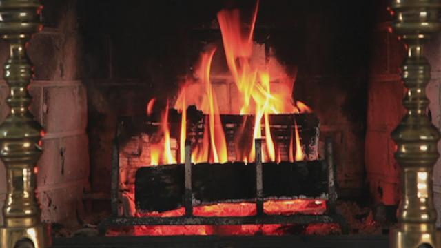 And to All a Good Night (Yule Log Video)