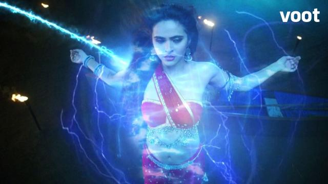 Chandrakanta receives magical powers!