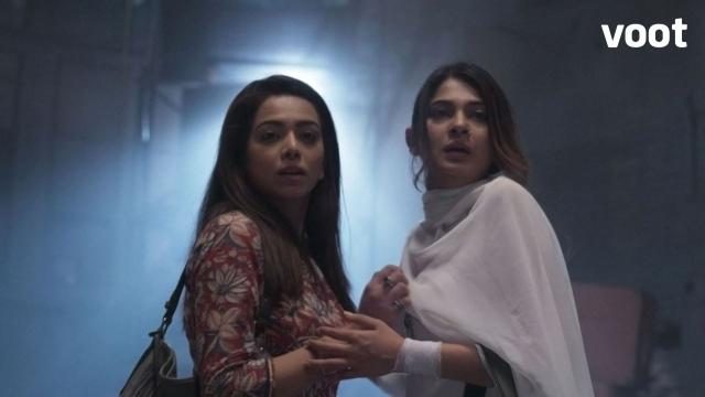 Mahi and Zoya are in deep trouble