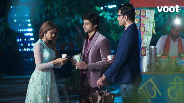 Aditya crashes Zoya's date!