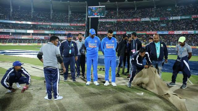 Disappointing to see water going through covers in today's time - Zaheer Khan