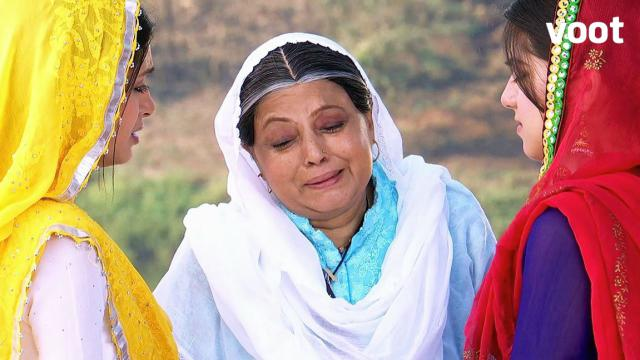 Biji Breaks Down to See the Rifts in Her Family